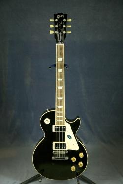 Gibson Les Paul Traditional с кейсом. Состояние:не новая. продано. Струно