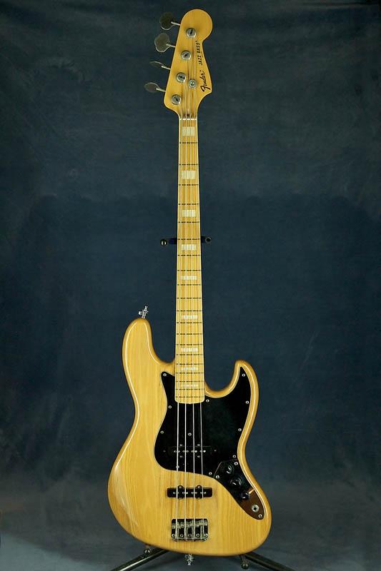 Серийный номер:G764293. Описание:Отличная реплика Fender 70-х от японского