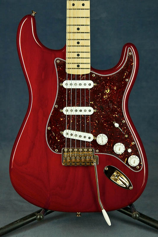 Fender Deluxe Players Strat, Maple Fretboard.